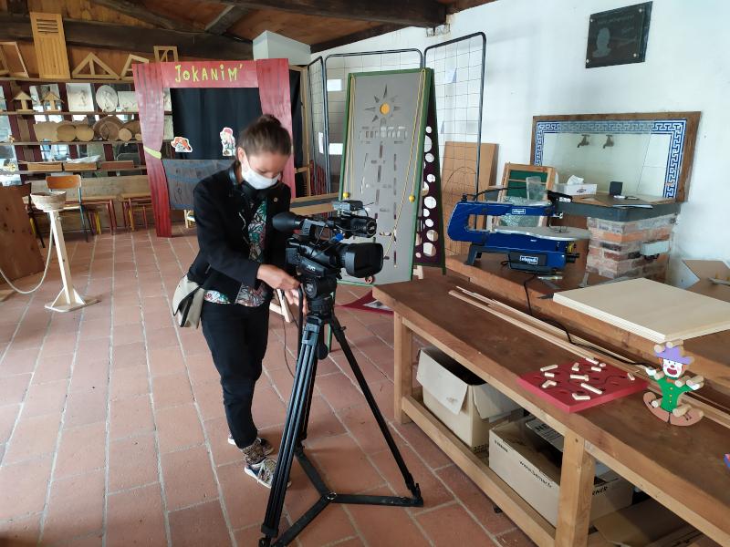 reportage télé - journaliste en train de filmer